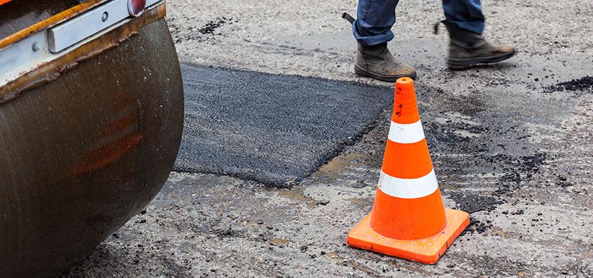 como reparar un bache con asfalto en frio - fixer